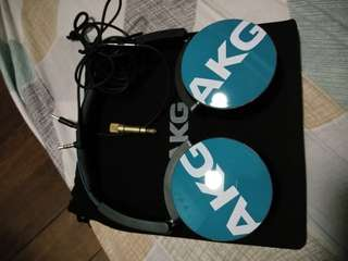 AKG Y50 Headphone