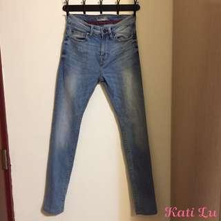 PULL&BEAR刷色牛仔褲(淺藍色29腰9成新)