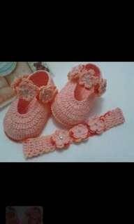 Crochet baby booties hairband set