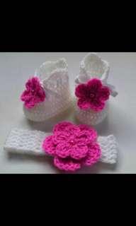 Crochet baby's set
