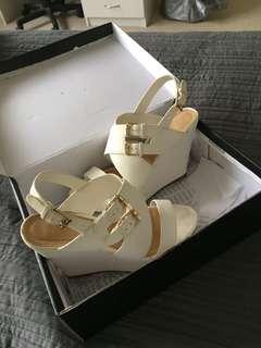 Novo shoes white wedges size 7
