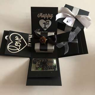 Explosion box with gift box , pull tab in black & silver