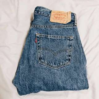URBAN OUTFITTERS VINTAGE LEVI'S JEANS 501/505