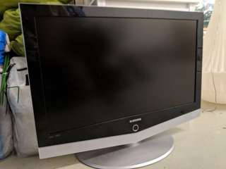 "Samsung LCD 40"" TV"