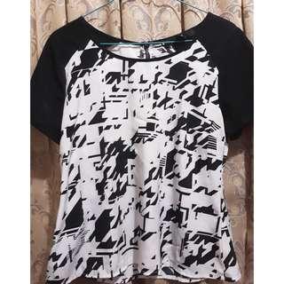 Blouse hitam putih XXI size S
