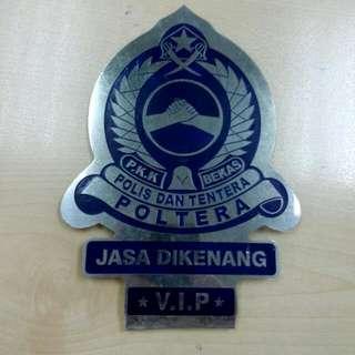 Poltera Car Badge Vintage
