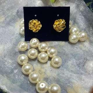 Bangkok Fashion Gold Flower Earrings
