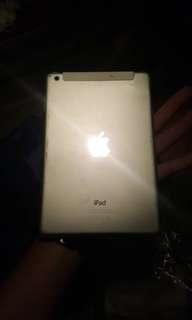 iPad 1 32gb yang sim card
