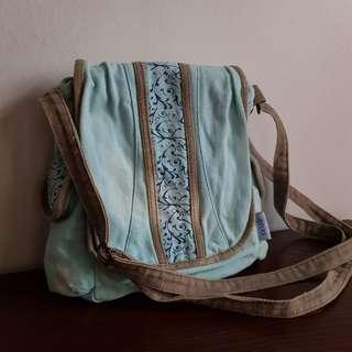 Heartstrings Shoulder Bag