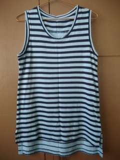 Uniqlo Sleevess Stripes Medium