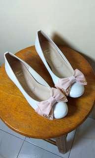 全新日本Metal Rouge白色斯文鞋