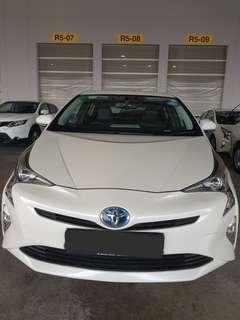 PHV Toyota Prius / Nissan Qashqai