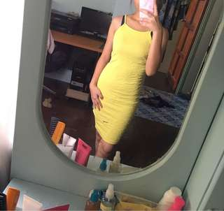 Bodycon yellow dress