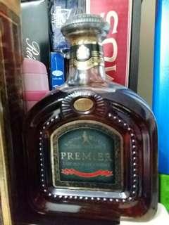 80年代,Johnnie walker  Premier 左走威士忌1公升連盒。