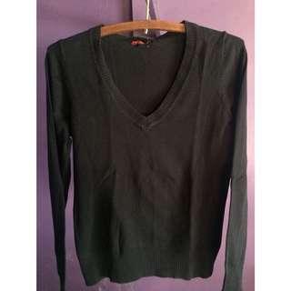 Forever 21 V-neck pullover