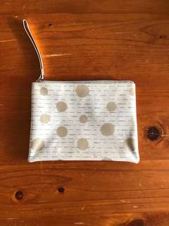 Clutch with dots and lines