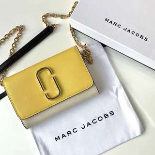 Marc Jacobs Snapshot Chain Wallet - yellow