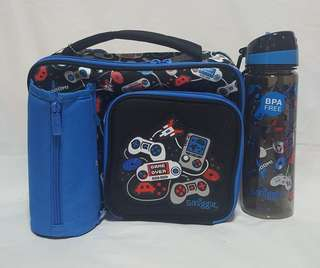 Smiggle squad compartment lunchbox with water bottle