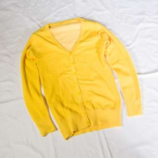 Cardigan Basic Warna Kuning
