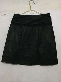 Mini rok hitam