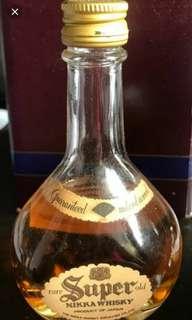 陳年老日威,NIkKA SUPER威士忌酒辦50mI一支。