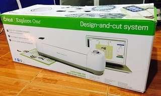 Cricut expolore one machine
