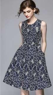 Formal: Blue Quality Round Neck Lace Sleeveless A-Line Dress (M / L / XL / 2XL) - OA/XKE033022