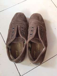 Preloved Toms Shoes