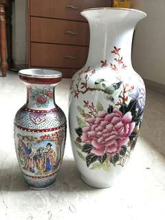 💪1ST MAY LABOUR ♥DAY TIME SALE!! 🙆 BRAND NEW ANTIQUE VASES FOR SALE!! DEFINITELY A COLLECTIBLE ITEM THAT YOU DONT WANT TO MISS!!! SUPER VINTAGE!!! HURRY!!! HELPING MY FRIEND TO SELL AS SHE IS MOVING HOUSE THANK U!! SELF-PICKUP AT HER HOUSE!!! HURRY!!