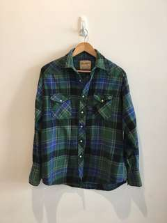 Wrangler flannel - delivery fee included