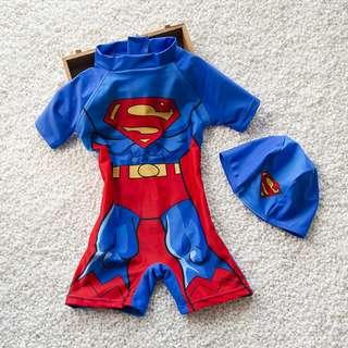 ☑▶夏季超人印花男童連身泳衣