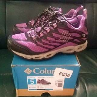 Columbia sports Shoes Size 35