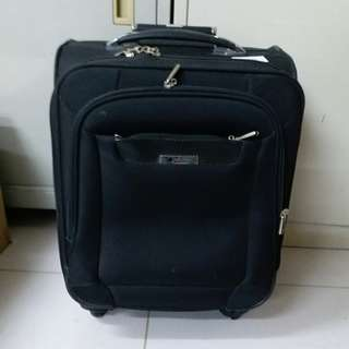 4 Wheels Luggage Size H 19inch W 14inch the wheels rubber have some problem. Still can use
