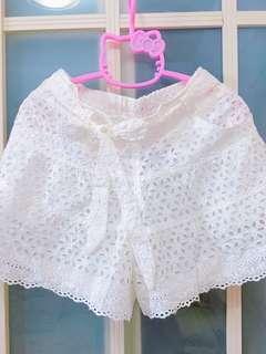 Lace短䃿,橡筋腰頭,通花特別,適合夏天打底或襯小背心一流