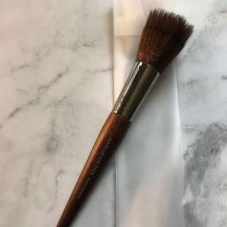 Makeup Forever brush 122 (for foundation & blush)