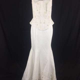 A10 Wedding Gown for rent