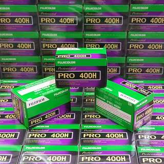 35mm Fujifilm Fujicolor Pro 400H Professional 400 H Super Fresh Film ( iso 400 ) 135 film format ( Exp 2020 ! )