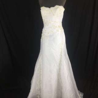 A14 Wedding Gown for rent