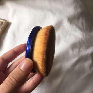 Makeup brush- Thin lizzy