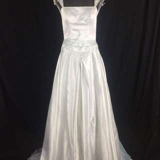A16 Wedding Gown for rent