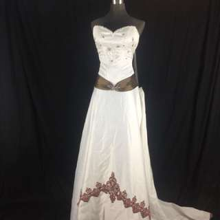 A17 Wedding Gown for rent