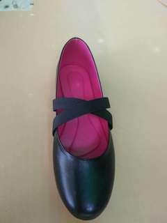Shool Shoes