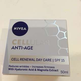 NIVEA cellular anti-age cream SPF15