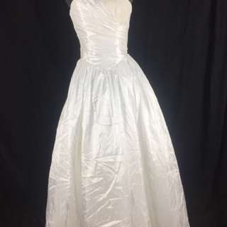 A21 Wedding Gown for rent