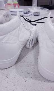 Free post - New White shoe