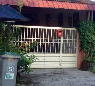 Rumah Dengan Lokasi Strategik Untuk Dijual!!!