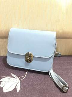 Pre-love ❤️ Sling bag soft blue