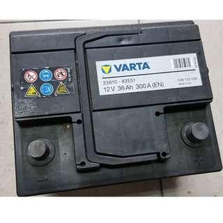 (二手中古電池) VARTA 33610-免保養汽車電池 數值漂亮,品項優 同 54801 歐系車專用