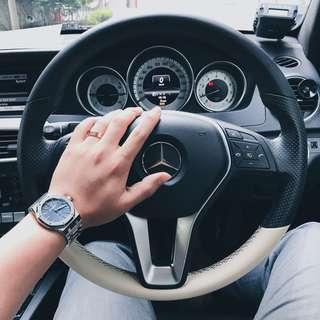 Original MB W204 Facelifted Steering Wheel w Airbags