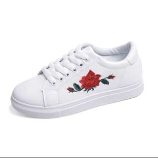 [PO] Rose Embroidery Sneakers